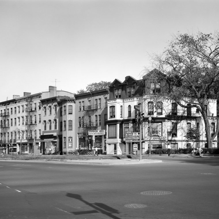 900 Block of New York Avenue, N.W.; July 5, 1963. Wm. Edmund Barrett © Kiplinger Washington Editors, Kiplinger Washington Collection, Historical Society of Washington, D.C.