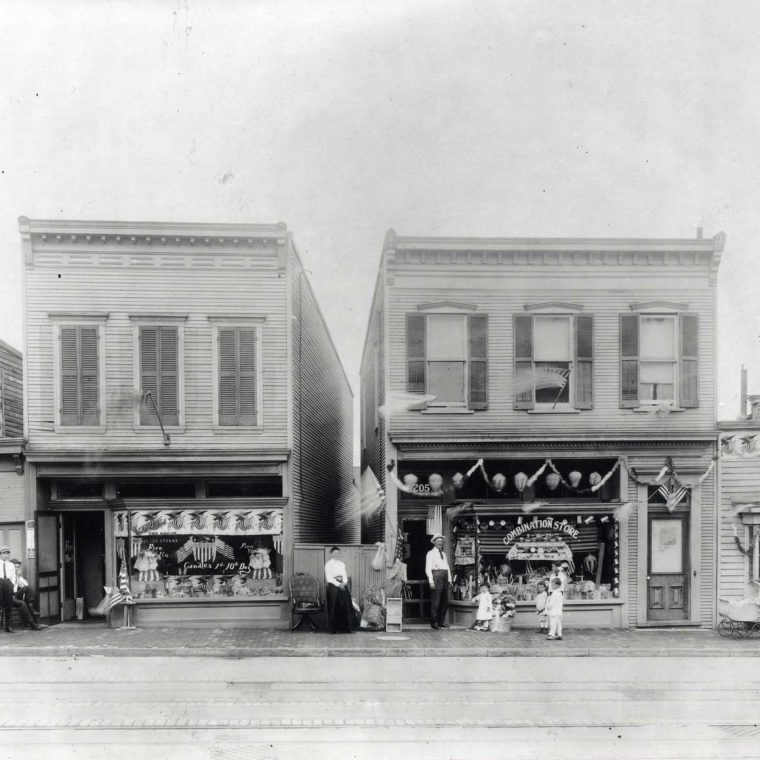 2200 block of Nichols Avenue, Southeast, Anacostia, July 4, 1917. Courtesy Library of Congress, Prints and Photographs Division.
