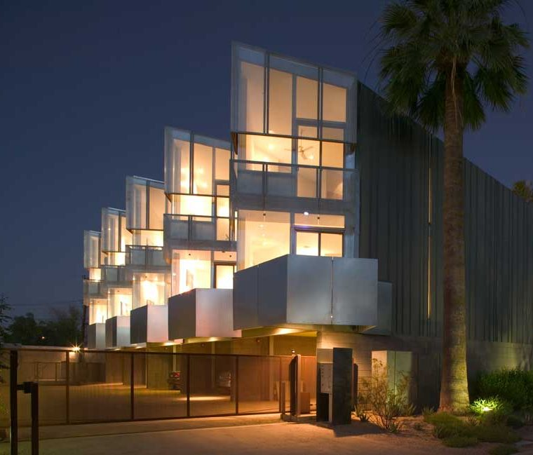 Loloma 5 Lofts, Scottsdale, Arizona. Architect: will bruder + PARTNERS. Built: 2004. Photo ©Bill Timmerman; courtesy of will bruder + PARTNERS.