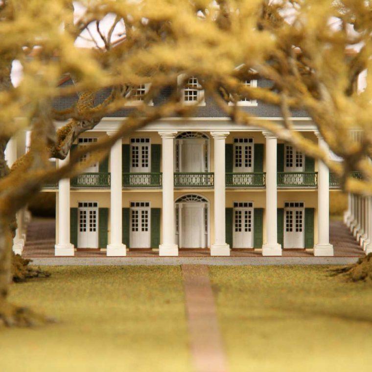 Oak Alley, Vacherie, Louisiana. Architect: Gilbert Joseph Pilie. Built: 1836. Model by Studios Eichbaum + Arnold, 2008. Photo by Museum staff.