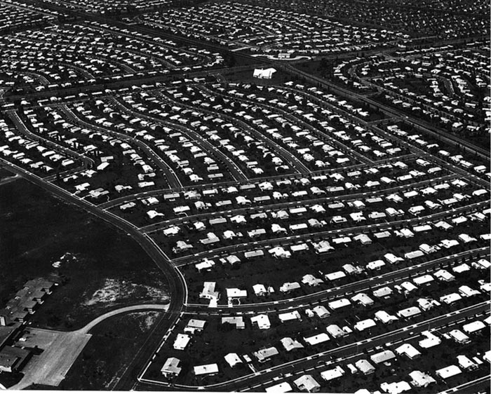 Aerial view of suburban Levittown, Pennsylvania. Image courtesy the College of New Jersey.