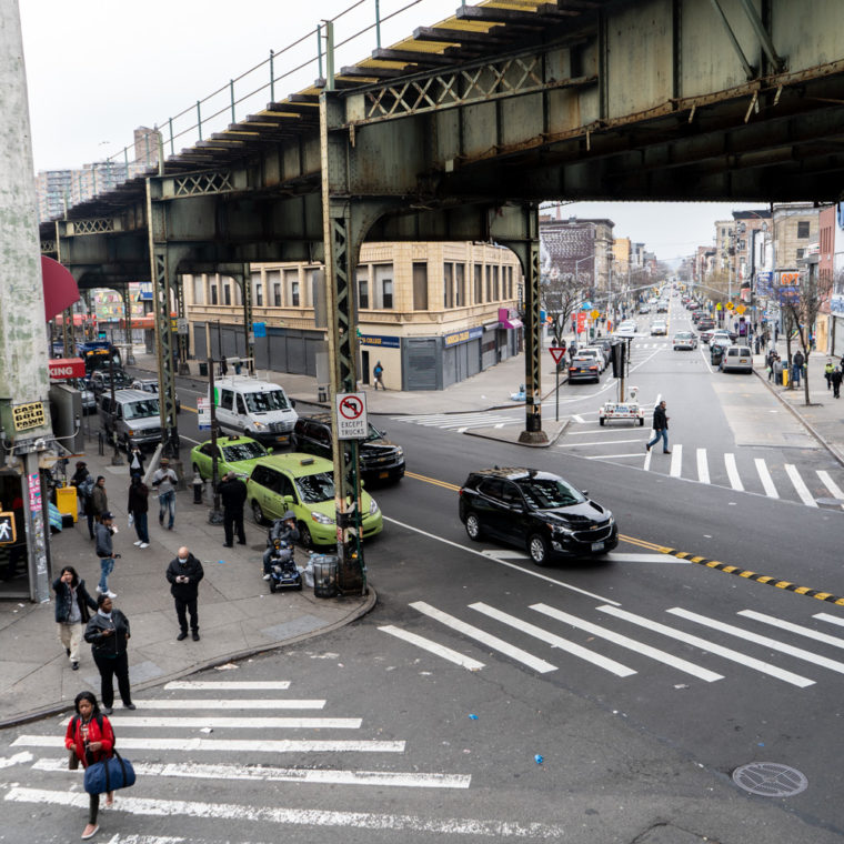 March 30, 2020: Thinning crowds at Broadway and Flushing Avenue, Flushing Avenue subway station, Queens, New York. © Camilo José Vergara