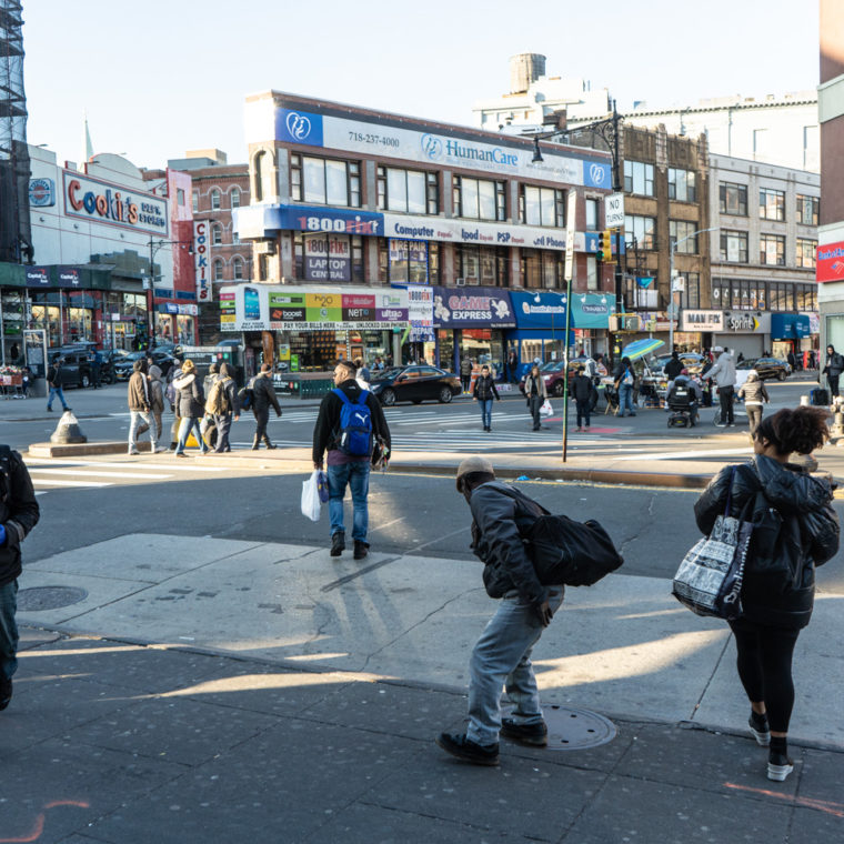 March 21, 2020: Crowds at the intersection of East 149th Street and Third Avenue, Bronx, New York. © Camilo José Vergara