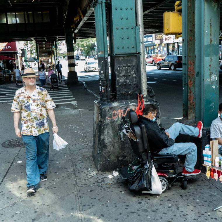 September 3, 2020: Selling PPE. East Fordham Road at Jerome Avenue, Bronx, New York. © Camilo José Vergara