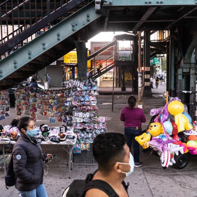 September 23, 2020: Street vendors at Morrison Avenue–Soundview Station. Westchester Avenue, Bronx, New York. © Camilo José Vergara