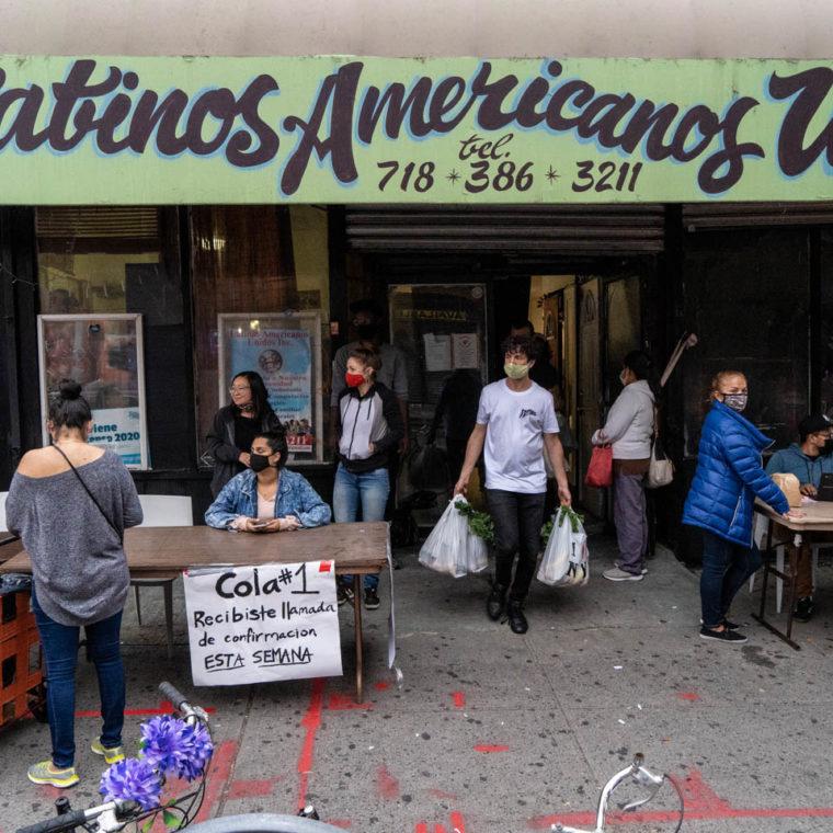 October 22, 2020: Latinos-Americanos Unidos, another organization that provides free food and has volunteers who deliver. 218 Wyckoff Avenue, Brooklyn, New York. © Camilo José Vergara