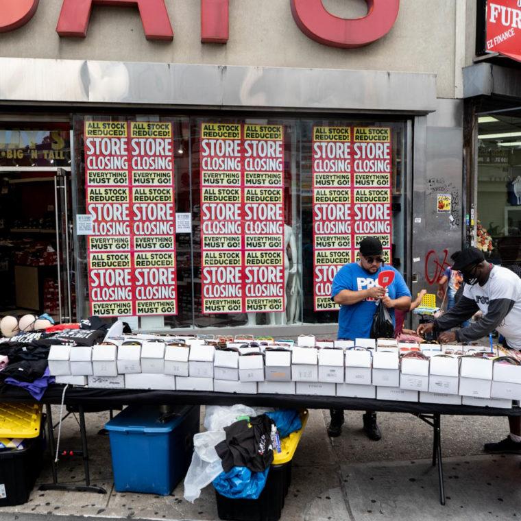 August 17, 2020: Dr. Jay's, 410 Westchester Avenue, Bronx, New York. © Camilo José Vergara