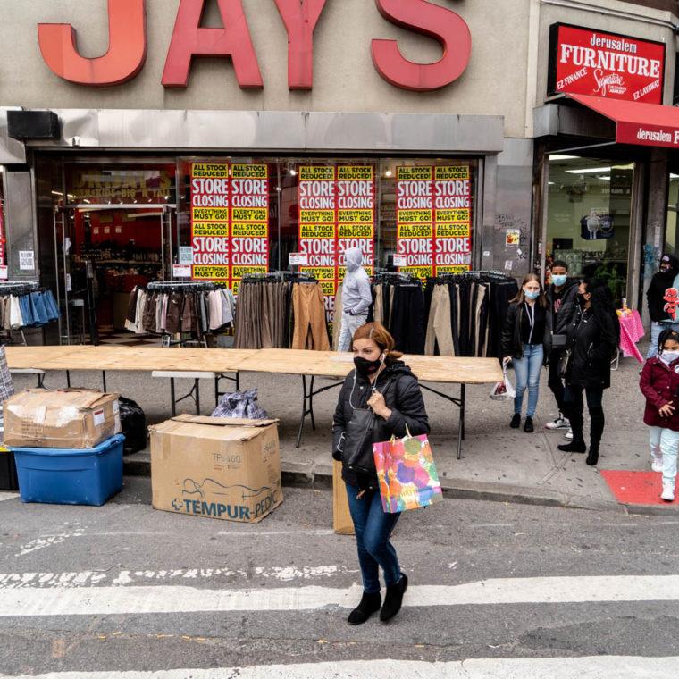 October 25, 2020: Dr. Jay's, 410 Westchester Avenue, Bronx, New York. © Camilo José Vergara