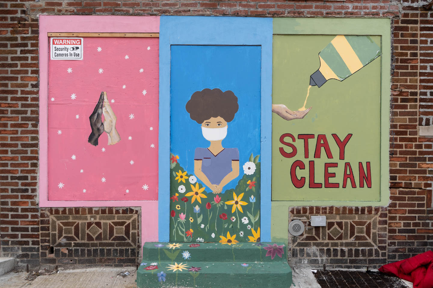 September 16, 2020: Mural giving advice to prevent the spread of COVID-19, Chestnut Street at Pitkin Avenue, Brooklyn, New York. © Camilo José Vergara