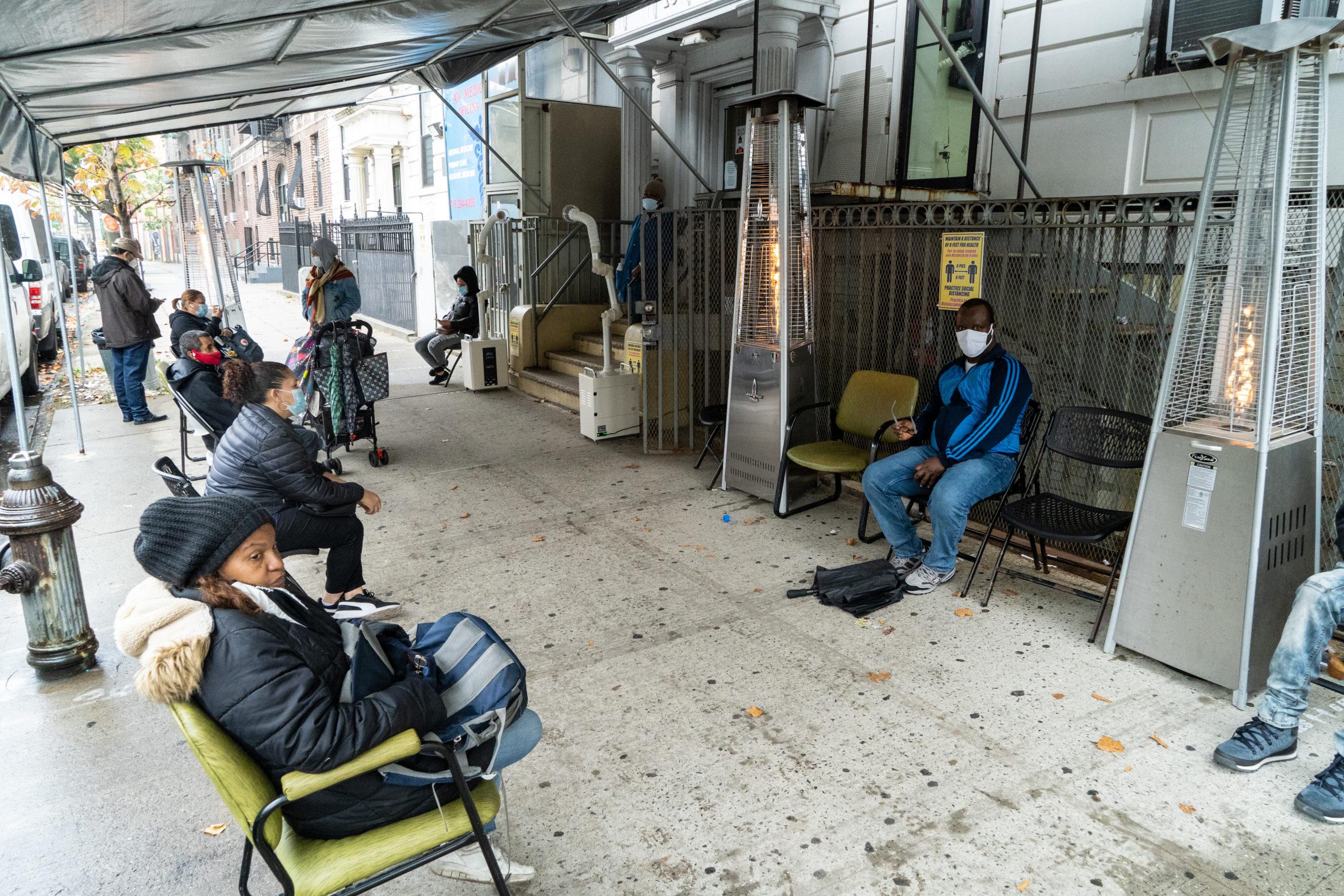 October 26, 2020: Improvised outdoor waiting room, medical offices at 1624 University Avenue/Dr. Martin Luther King Jr. Boulevard, Bronx, New York. © Camilo José Vergara